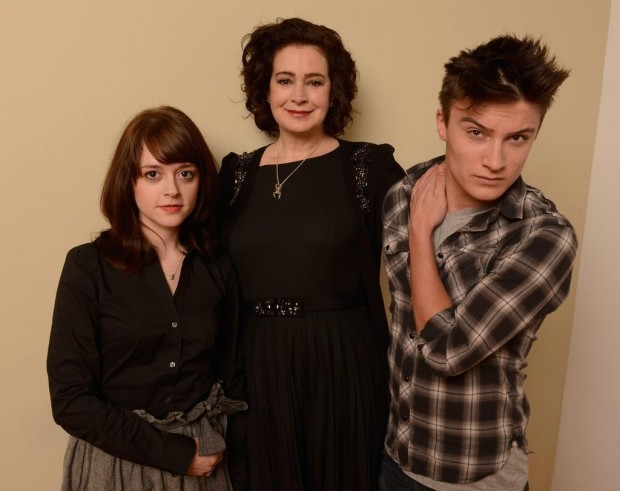 """Sean Young with """"Jug Face"""" co-stars Lauren Ashley Carter (l.) and Daniel Manche (r.)"""