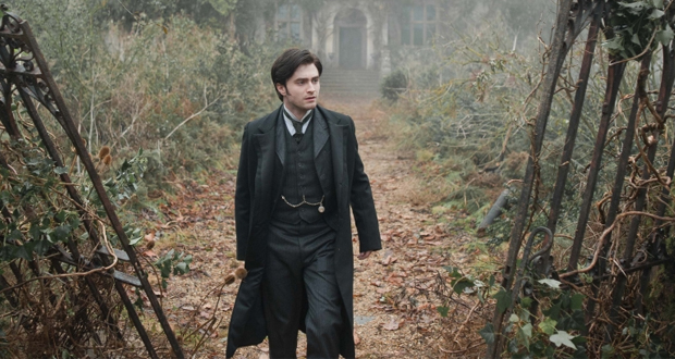 A still from The Woman In Black (2012)