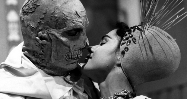 THE ABOMINABLE DR. PHIBES (1971, Dir. Robert Fuest)