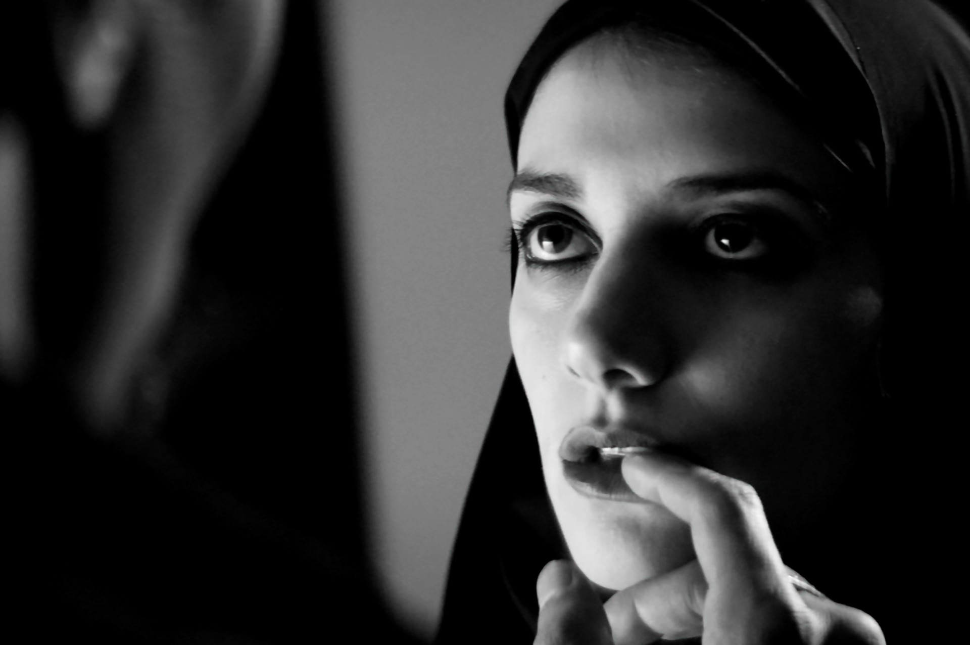 "Amirpour's ""A Girl Walks Home Alone at Night"" Challenges Horror"