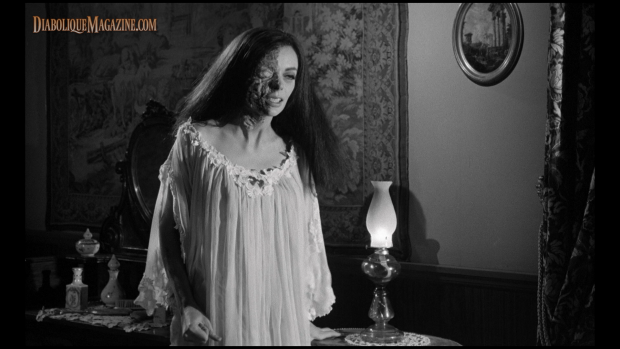 Barbara Steele in Nightmare Castle (1965)