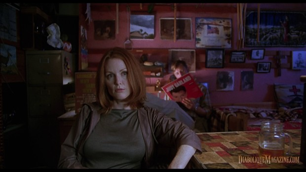Julianne Moore in Gus Van Sant's Psycho (1998) [click to enlarge]