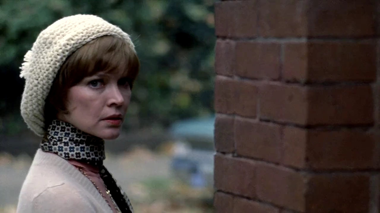 """THAT THING UPSTAIRS ISN'T MY DAUGHTER…"":   Ellen Burstyn and The Exorcist"