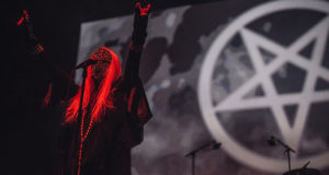 PRESS-124-fingers-no-text