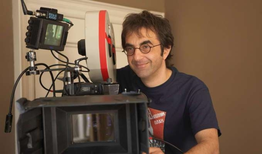 Who am I Doing Here? The Early Films of Atom Egoyan (1984-1993)
